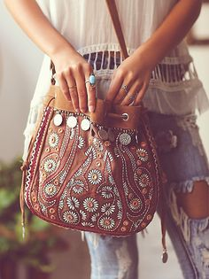 I want this purse! Praying they still have it at Christmas time. #purses #Boho #freespirit