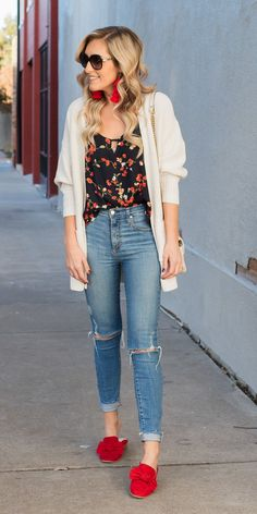 This comfy, chic look is perfect for moms on the go with a cozy white sweater and bold red mules! Skinny jeans outfit, white sweater outfit, red shoes, tassel earrings, outfit inspiration, fashion blogger, fall fashion.