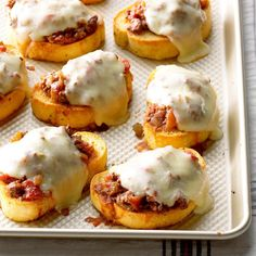 Texas Chili, Texas Toast, Big Mac, Tomato Paste Recipe, Recipes With Tomato Paste, Meat Recipes, Cooking Recipes, Hamburger Recipes, Beef Recipes