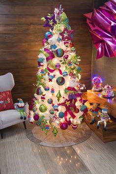 Christmas Tree Goals, Christmas Tree Canvas, Mexico Christmas, White Christmas Trees, Christmas Mantels, Christmas Time, Easter Tree, Nutcracker Christmas, Outdoor Christmas Decorations