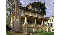What defines a craftsman style home? #craftsman #design