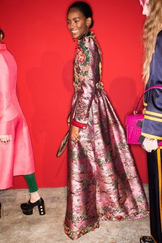 Gucci Spring 2017 Ready-to-Wear Fashion Show Beauty Gucci Spring 2017, Spring Fashion 2017, Runway Fashion, Fashion Show, Spring 2015, Milan Fashion, Spring Summer, Women's Fashion, Outfit Combinations