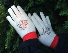 EASY DIY Rhinestone Project - How To Bling a Pair of Knit Gloves. Step by step instructions and video tutorial.