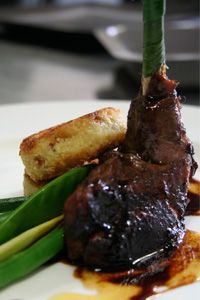 Sous Vide Guinea Fowl served with Sweet Potato Cakes South African Dishes, South African Recipes, Ethnic Recipes, Wild Game Recipes, Fish Recipes, Easy Pudding Recipes, Exotic Food, Country Cooking, Sous Vide