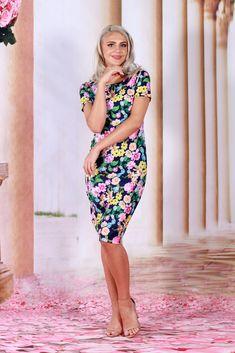 #fashion #rochii #elegant #rochiedezi #model #shooting Short Sleeve Dresses, Dresses With Sleeves, Fashion Dresses, Elegant, Floral, Fashion Show Dresses, Classy, Sleeve Dresses, Trendy Dresses