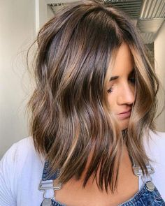 30 Brilliant Brown Haarfarbe Ideen – 30 Brilliant Brown Hair Color Ideas Schöne braune Haarfarbtöne – - Sites new Brown Hair Balayage, Brown Hair With Highlights, Ombre Hair, Brunette Balayage Hair Short, Brunette Hair Colors, Mousy Brown Hair, Short Light Brown Hair, Honey Balayage, Color Highlights