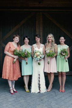 Haley and her lovely bridesmaids - all in vintage dresses.