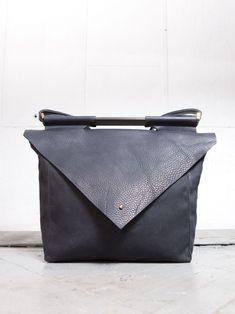 CHIYOME black shoulder bag