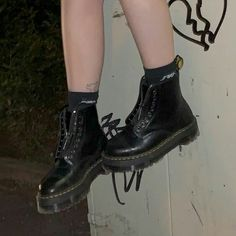 Dr Shoes, Swag Shoes, Cute Shoes, Me Too Shoes, Aesthetic Shoes, Aesthetic Grunge, Aesthetic Girl, Aesthetic Clothes, Grunge Photography