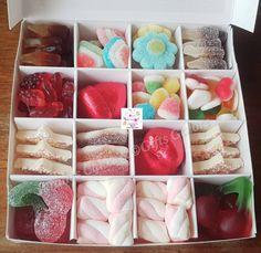 Hajj Mubarak Halal Sweets n Chocolates Gift Box, Pick n Mix Sweet Boxes, Personalised Gifts, Single Sweet Box Chocolate Gift Boxes, Chocolate Sweets, Chocolate Marshmallows, Halal Sweets, Birthday Card Drawing, Sweet Cones, Vintage Jewelry Crafts, Sweet Box, Hajj Mubarak