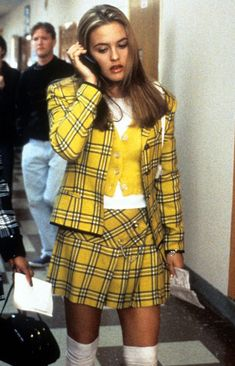 Clueless Outfit Ideas 3 clueless halloween costume ideas that are so simple who Clueless Outfit Ideas. Here is Clueless Outfit Ideas for you. Clueless Outfit Ideas cher horowitz clueless diy costume i Clueless Fashion, Clueless Outfits, Hip Hop Outfits, 2000s Fashion, Cute Outfits, Fashion Outfits, Cher From Clueless, Clueless 1995, Fashion In The 80s