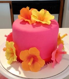 Hibiscus cake - by jsweetcakes @ - cake decorating website Pool Party Cakes, Luau Cakes, Luau Party, Pretty Cakes, Beautiful Cakes, Amazing Cakes, Cupcakes, Cupcake Cakes, Bolo Aloha