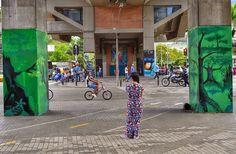 "Fotoviaje: Medellín, Antioquia, Colombia. Día 10 ""Una probadi... Outdoor Decor, Home Decor, Urban Art, Decoration Home, Room Decor, Home Interior Design, Home Decoration, Interior Design"