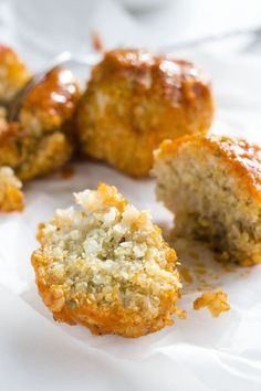Buffalo Cauliflower Quinoa Meatballs | Delicious and simple vegetarian meatballs made from cauliflower and quinoa! | thealmondeater.com