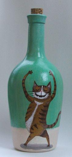 Botella pintada a mano. Uso decorativo.Botella pintada a mano. Uso decorativo.Medidas Altura 24 cm aprox.