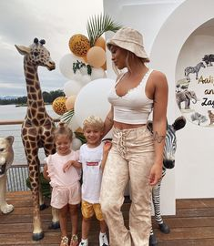 my lil chickens 🐣🐣 Tammy Love, Mother Daughter Pictures, Tammy Hembrow, Baby E, Cute Baby Girl Outfits, Aaliyah, Auntie, Dream Life, Cute Babies
