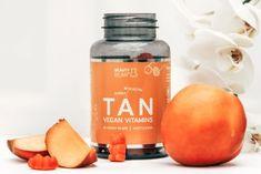 Beauty Bear TAN Vitamins - Til en perfekt og vedvarende tan   Helsebixen.dk Vegan Vitamins, Hans Peter, Candle Jars, Bear, Drinks, Bottle, Drinking, Beverages, Flask