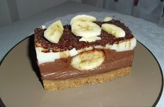 Torta s lješnjacima i karamelom — Coolinarika Russian Honey Cake, Russian Cakes, Kolaci I Torte, Serbian Recipes, Serbian Food, Banana Split, Kakao, Frosting Recipes, Sweet Cakes