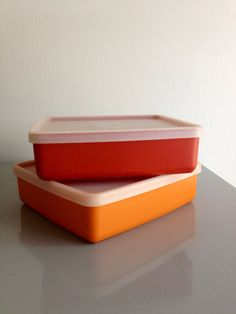 2 Vintage Tupperware Sandwich Keepers