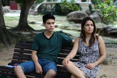 Casal adolescente protagonista do filme Namoro Adolescente. Uma produção de Cine Cast Photography - Via Satélite. Diretor Luxã Nautilho.