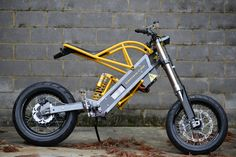 The ExoDyne Electric Motorcycle The ExoDyne is what happens when a talented veterinary orthopedic surgeon turns his attention to building himself an electric motorcycle. It's there work of Al… Electric Bicycle, Electric Scooter, Electric Cars, Electric 4 Wheeler, Moto Bike, Motorcycle Bike, Motorcycle Jackets, Custom Motorcycles, Custom Bikes