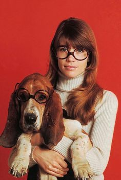 FRANÇOISE HARDY ANNÉES 60 Francoise Hardy, Beyond Beauty, Bassett Hound, Girls Magazine, French Beauty, Girl Gang, Great Hair, Style Icons, Hipster