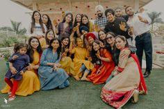 Family Portraits, Family Photos, Green Lehenga, Haldi Ceremony, Wedding Decorations, Wedding Ideas, Sikh Wedding, Wedding Story, Bride Groom