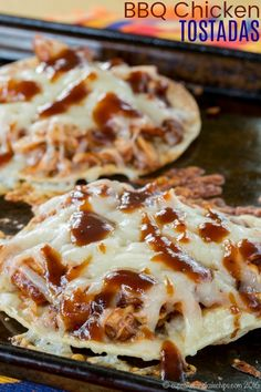 BBQ Chicken Tostadas - a quick and easy family dinner recipe everyone will love. You can use leftover chicken or a rotisserie chicken from the store, plus your favorite barbecue sauce and plenty of cheese! via Cupcakes & Kale Chips quick dinner recipes Easy Bbq Chicken, Shredded Chicken, Recipe Chicken, Grilled Chicken Leftover Recipes, Rotisserie Chicken Leftovers, Bbq Chicken Sides, Recipes With Rotisserie Chicken, Barbeque Chicken Recipes, Cooked Chicken Recipes Leftovers