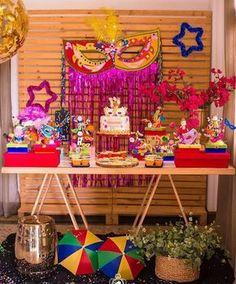 Bailinho de Carnaval por @amoniquedecor. Inspiração via @encantosdefestas . Inspire-se e Faça a Festa @shopfesta
