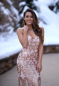 Suknia wieczorowa na specjalne okazje. http://luxlife.pl/suknia-wieczorowa-na-specjalne-okazje/