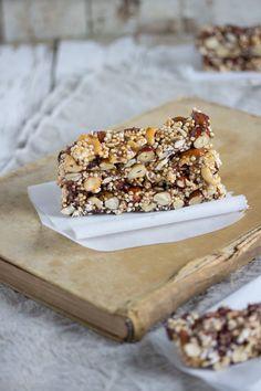 Nuss Energie Bars von Lisbeths Cupcakes and Cookies Keto Sweet Snacks, Healthy Protein Snacks, Healthy Cookies, Sweet Treats, Vegan Sweets, Healthy Sweets, Healthy Baking, Healthy Food, Vegan Food