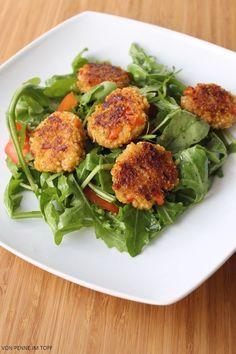 Die vegane Ernährung ist für mich ja bislang noch ein weitestgehend unentdecktes Paralleluniversum! Sehr schade, denn natürlich gibt es viele gute Gründe, weniger tierische Produkte zu verzehren. Ich