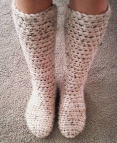 Slipper boots by SpookShowBaby on craftster.  I could TOTALLY rock these on cold nights!