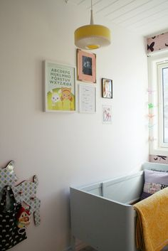 Children's room - Vintage bed and lamp