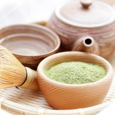 Give your drink a boost with matcha, a good-for-you green tea powder. Matcha is loaded with antioxidants and can reduce cancer and blood pressure. Add a touch of this healthy ingredient to these recipes for a dose of nutrition! Smoothies, Green Tea Recipes, Matcha Green Tea Powder, Powder Recipe, Tips Belleza, Yummy Drinks, Healthy Drinks, Herbalism, Shape Magazine