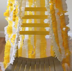 Love this idea!!  Ruffled streamers with great instructions!