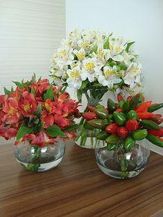 Hermosos estos arreglos de Alstroemerias! Puedes seleccionar estos u otros colores con Vivelasflores.com!
