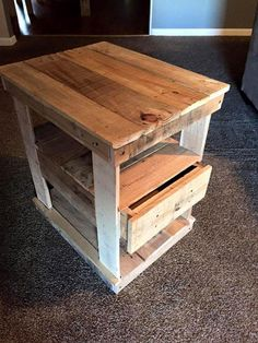 Wooden Pallet Projects, Wooden Pallet Furniture, Wooden Pallets, Pallet Wood, Outdoor Pallet, Diy Furniture, Palette Furniture, Pallet Couch, Pallet Patio