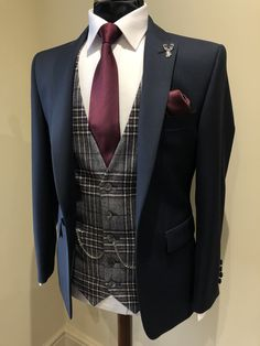 Check out our collection of burgundy suits. This colour looks great as a plain suit, checked suit and tweed suit ___________________________________________   #burgundysuit # bespokesuit weddingsuit #menssuits #menstyleguide #groomstyle #gqstyle #dapperlydone #tailoredsuit #groominspiration #menslaw #weddinginspo #realmenstyle #simplydapper #gentlemenstyle #suitstyle #suitsupply #groomsuit #groomstyle #meninsuits #sprezzaturra #bespokesuit #mensuitstyle #gqinsider #weddingblog #bluesuit