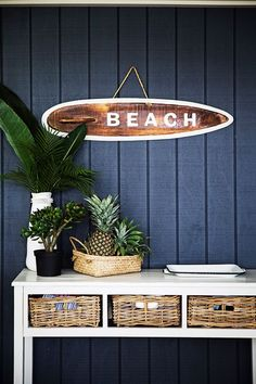 Check it out Beach style entry with navy wood panels, white table with baskets as drawers, pretty coastal style. The post Beach style entry with navy wood panels, white table with baskets as drawe . Beach Cottage Style, Coastal Cottage, Beach House Decor, Coastal Style, Coastal Decor, Home Decor, Coastal Rugs, Coastal Furniture, Furniture Chairs