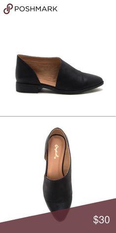 fa3db232f463 Qupid • Tuxedo-68 Black open shank flats. Size 8.5 Qupid • Tuxedo-
