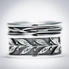 Ook op deze #herfst dagen, toch nog een exotisch tintje met deze prachtige #zilveren #ring van #Vinx #Hollands #Glorie!  #Faith #new #collection #Amsterdam