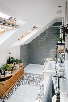 Grey Metro Wall Tiles – Theresa's Four Bed Boho Inspired Home. Scandi Bathroom In Grey And Monochrome With Natural Textures And Lots Of Greenery. Image By Adam Crohill. The post Global Inspired Home Tour {Upstairs} appeared first on Best Pins for Yours. Bad Inspiration, Bathroom Inspiration, Bathroom Ideas, Bathroom Grey, Bathroom Small, Modern Bathroom, Bathroom Tubs, Bathroom Canvas, Bathroom Mirrors