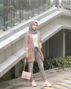 [New] The Best Fashion (with Pictures) This is the 10 best fashion today. According to fashion experts, the 10 all-time best fashion right now is. Modern Hijab Fashion, Street Hijab Fashion, Hijab Fashion Inspiration, Muslim Fashion, Casual Hijab Outfit, Hijab Chic, Blazer Fashion, Fashion Outfits, Hijab Fashionista