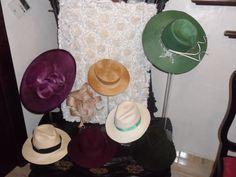 Curso de Sombrerería de diferentes tipos de paja y arreglo de varios sombreros. Realizada por una alumna
