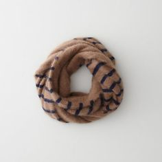stripe donut scarf ++ demy lee
