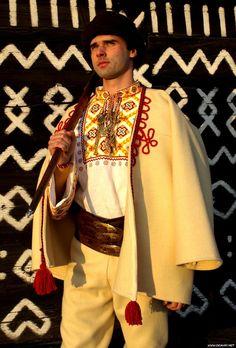 Roronoa Zoro Roronoa Zoro t Roronoa zoro Folk Costume, Costumes, Heart Of Europe, Kebaya, Ethnic Fashion, Folk Art, Celtic, Kimono Top, Sari