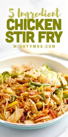 Easy Chicken Stir Fry, Easy Chicken Dinner Recipes, How To Cook Chicken, Cooked Chicken, Stir Fry Noodles, Chicken Stir Fry With Noodles, Frozen Vegetables, Veggies, 15 Minute Meals