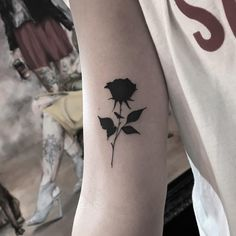 mom tatuajes You can for permanent tattoo and different tattoo models Mini Tattoos, Baby Tattoos, Cute Tattoos, Body Art Tattoos, Sleeve Tattoos, Tatoos, Rose Tattoos For Women, Black Rose Tattoos, Tattoos For Guys