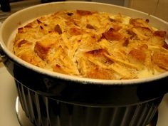 Bread pudding with whiskey sauce recipe. Quick and easy bread pudding recipe. Peach Bread Puddings, Blueberry Bread Pudding, Breakfast Bread Puddings, Homemade Banana Pudding, Breakfast Recipes, Bread Pudding Recipe With Whiskey Sauce, Bread Pudding With Apples, Bread And Butter Pudding, Banana Pudding From Scratch